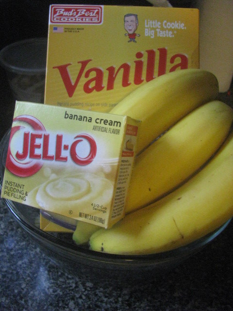 Vanilla wafers and Jello for for Southern Banana Pudding