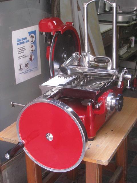 prosciutto slicing machine