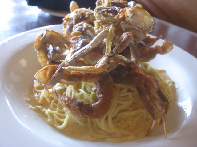 Soft Shell Crab Italian Style - over Linguine - Aldo's Ristorante, Virginia Beach - All rights incl. electr. Culinary Roots and Recipes 2016