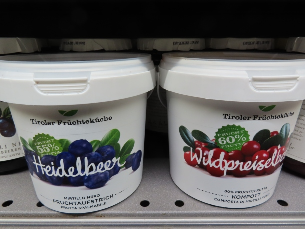 Blueberry or cranberry jams for Thanksgiving in Northern Italy?ies iies